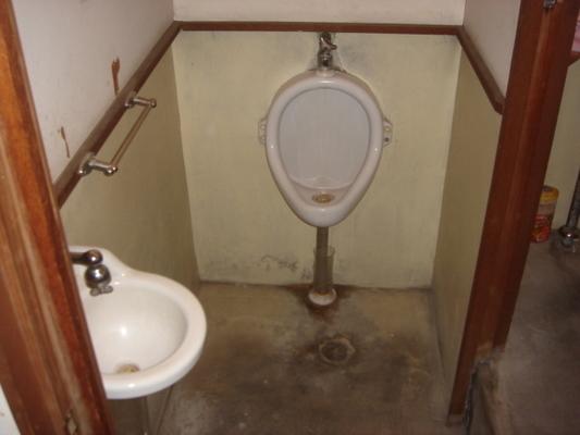 トイレ施工前1の画像